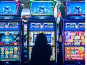 Online Casinos For Fun and Money - a variety of different gaming options for different tastes