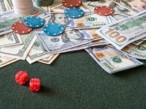 Online casino games are not only fun, they can be a great way to earn extra cash